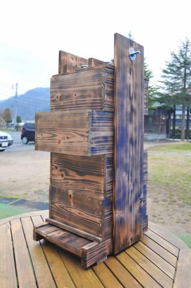 11ミツバチ巣箱